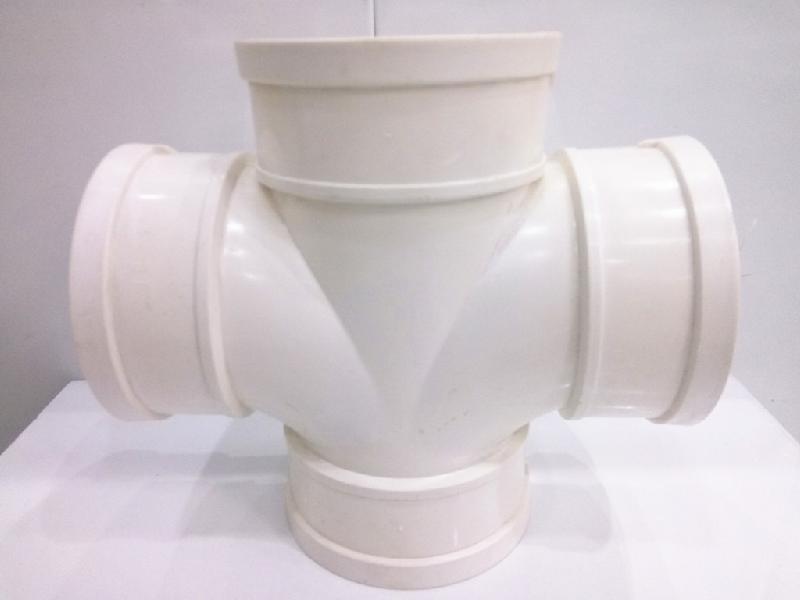 PVC四通排水管件  耐腐蚀耐高压